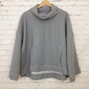 Lucy Pullover Sweatshirt Turtleneck Boxy Fit